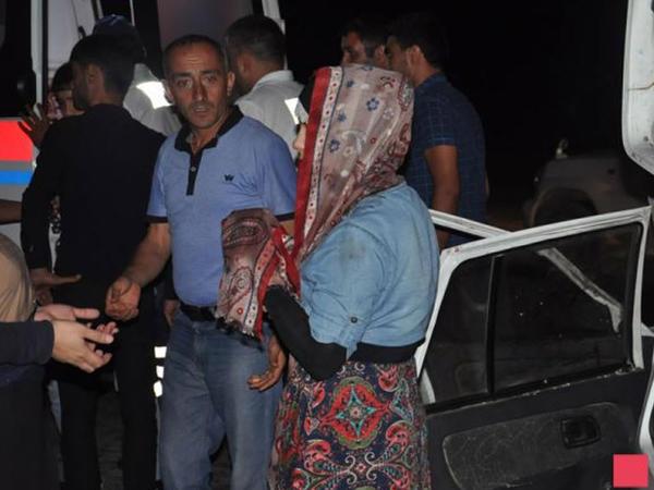 """Hacıqabulda """"OKA"""" inəklə toqquşub, 5 nəfər yaralanıb - FOTO"""