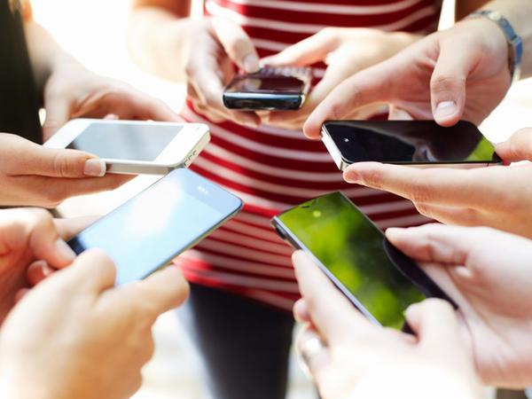 Mobil rabitə istifadəçilərinin sayı 5 milyardı keçdi