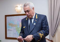 Cavid Qurbanov medalla təltif olundu - FOTO