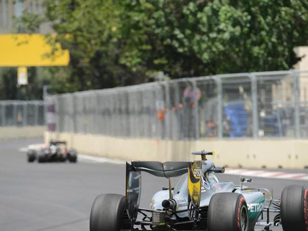 Formula 1 pilotları sərbəst yürüş zamanı yolu səhv saldılar