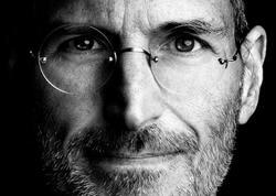 Jobs iPhone-nu kimin acığına yaratmışdı?