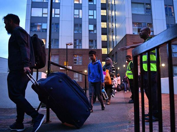 London yanğınının fəsadları: 4 min insan evlərindən çıxarıldı - VİDEO - FOTO
