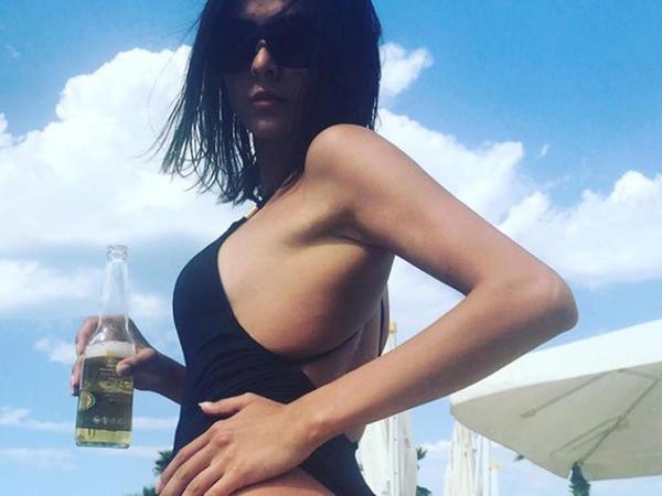 """""""Miss Baku"""" cazibədar bədənini nümayiş etdirdi - FOTO"""
