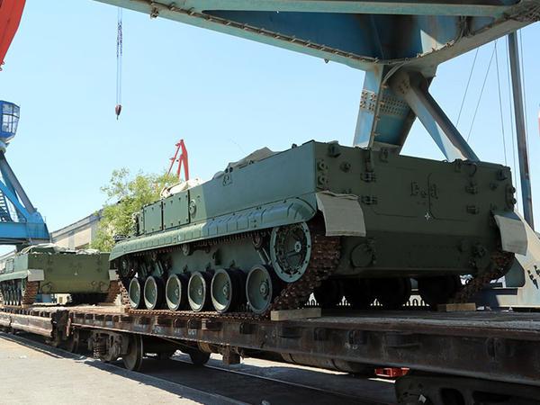 Rusiyadan Azərbaycana yeni hərbi texnika gətirildi - VİDEO - FOTO