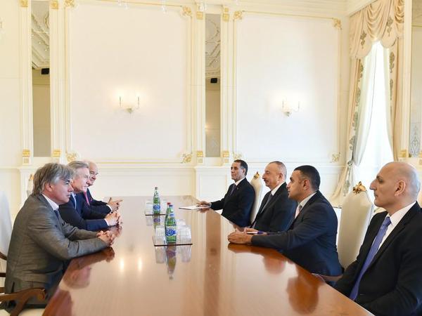 Prezident İlham Əliyev Fransada Azərbaycanın Dostları Assosiasiyasının prezidentini qəbul edib