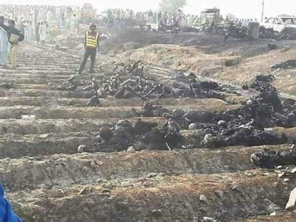 Pakistanda tanker PARTLADI: 148 nəfər öldü, 100 yaralı var - YENİLƏNİB - FOTO - VİDEO