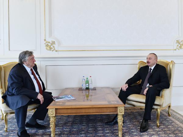 """Prezident İlham Əliyev Rusiyanın """"Zavtra"""" qəzetinin baş redaktorunu qəbul etdi"""