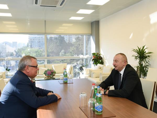 """Prezident İlham Əliyev """"VTB Bank""""ın prezidenti, idarə heyətinin sədrini qəbul edib"""