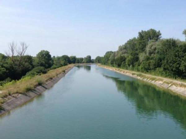 Yuxarı Şirvan kanalında kişi meyiti tapılıb