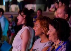 Tünzalə və Səbinə dünya ulduzunun konsertində - FOTO