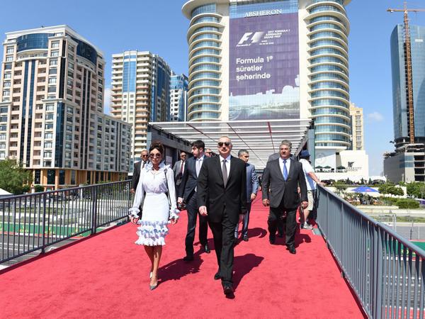 Prezident İlham Əliyev və xanımı Formula 1 Azərbaycan Qran Prisi çərçivəsində yarışları izləyiblər - YENİLƏNİB - FOTO