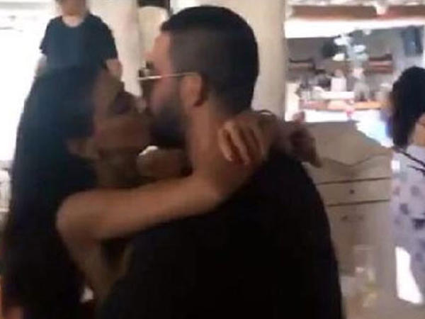 Arda Turan sevgilisi ilə öpüşərkən kameralara düşdü - FOTO