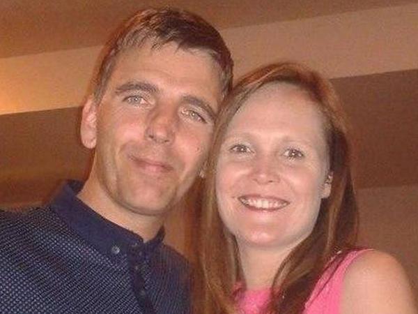 43 yaşlı kişi hamilə sevgilisini baltaladı - FOTO