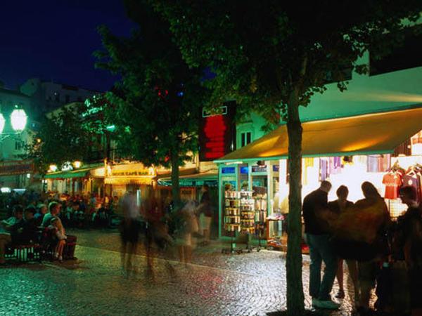 Portuqaliya polisindən turistlərə qarşı vəhşilik - VİDEO