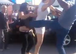 """Bakıda qadın kişini polisin gözü qarşısında yerə sərdi: """"Mən """"işverən"""" deyiləm"""" - VİDEO - FOTO"""