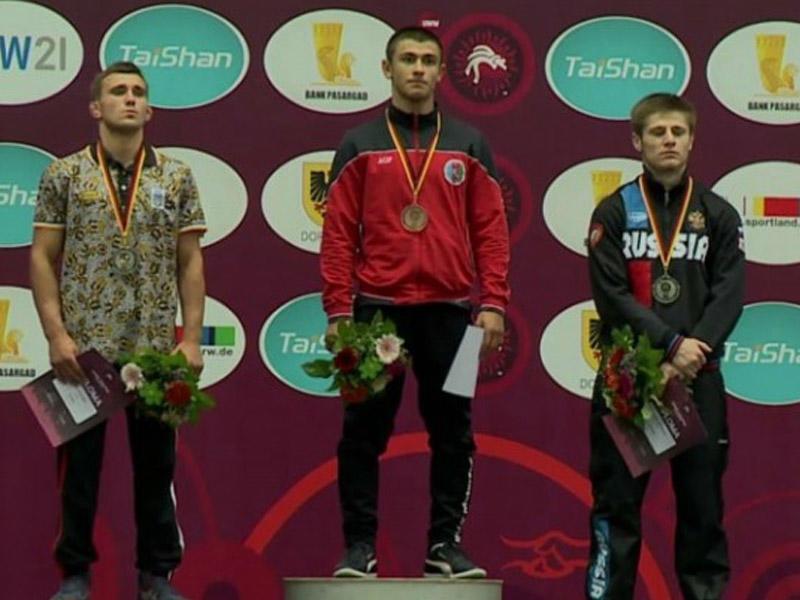 Sərbəst güləşçilərimiz 3 medal qazandı