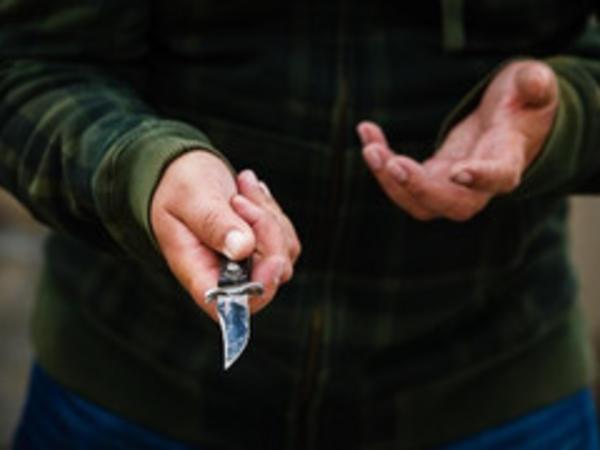 46 yaşlı kişi qonşusu tərəfindən bıçaqlanıb