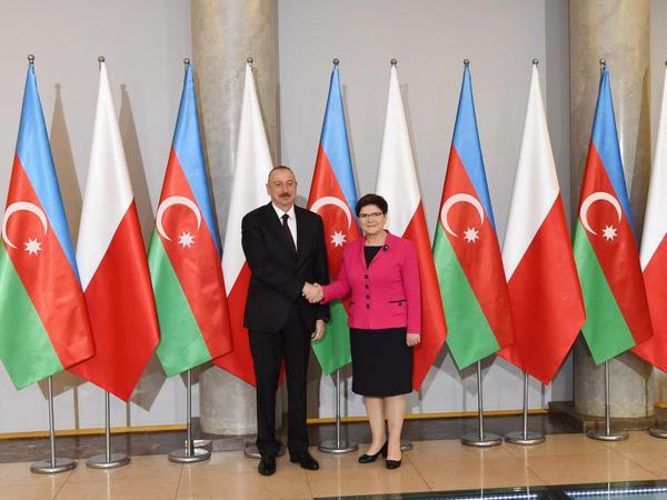 """Prezident İlham Əliyev: """"Beynəlxalq nəqliyyat dəhlizlərinin yaradılmasında Azərbaycan fəal iştirak edir"""""""
