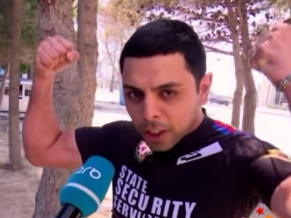 Azərbaycanlı müğənni avtomobilini satıb velosiped aldı - VİDEO - FOTO