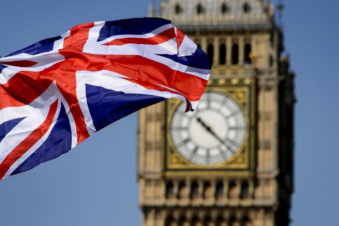 Britaniya 3 hərbi gəminin hazırlanmasına 4,8 milyard dollar xərcləyəcək