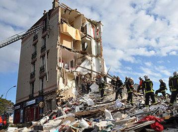 Parisdə bina çökdü, 2 nəfər öldü