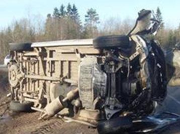 Sərnişin avtobusu dərəyə aşdı: 23 nəfər öldü