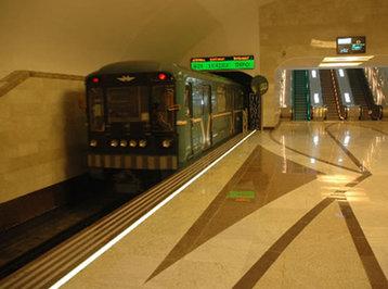 Bakı metrosunda növbəti biabırçılıq