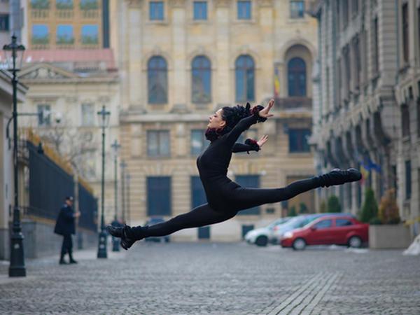 Balerinalar şəhərdə - FOTO