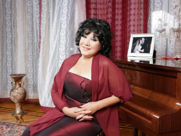 Flora Kərimova arxiv FOTOlarını paylaşdı