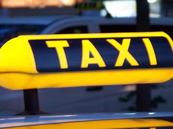 Bakıda sərnişin taksi sürücüsünü qarət etdi - 150 manatını alıb qaçdı