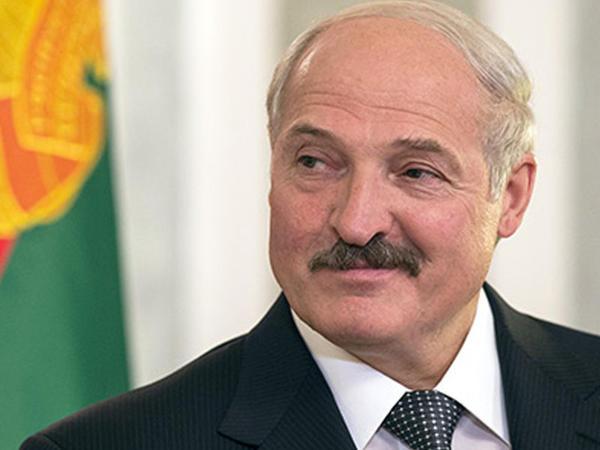 Lukaşenko 6 min məhkumu əfv etdi