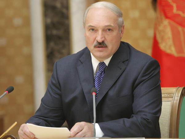 Aleksandr Lukaşenko Prezident İlham Əliyevi təbrik etdi