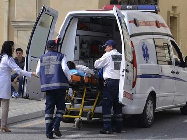 """Şamaxıda iki nəfər hündürlükdən yıxıldı, <span class=""""color_red"""">biri öldü</span>"""