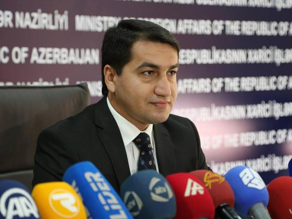 """Hikmət Hacıyev Misirin """"Al Ahram"""" qəzetinə müsahibə verib"""