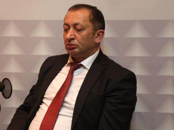 Həbsdə olan keçmiş vəkilin cəzası azaldıldı