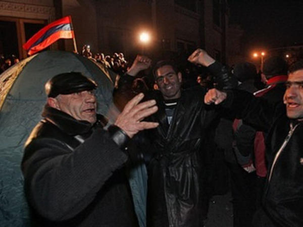 Ermənistan müxalifəti Yerevanın mərkəzində növbəti aksiya keçirir