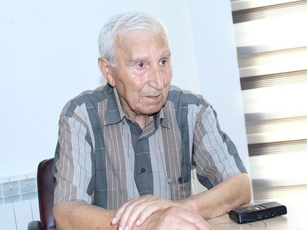 """Xalq artisti: """"Efirdə min oyundan çıxır, görəndə əsəbiləşirəm"""""""