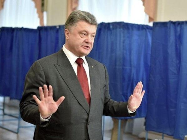 Poroşenko tərəfdarları aksiyaya çıxır