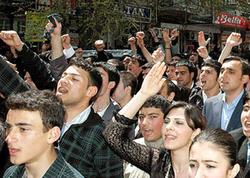 Gürcüstanda parlamentin qarşısına qoyunlar gətirilib - Yeni baş nazirə etiraz