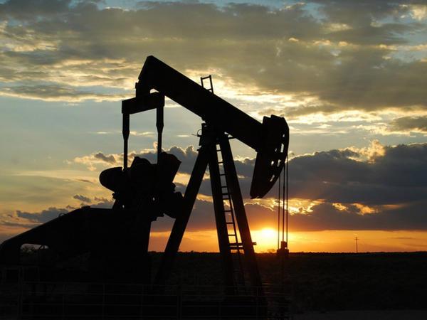 Azərbaycanlı milyarderin şirkəti İranda neft hasil edəcək