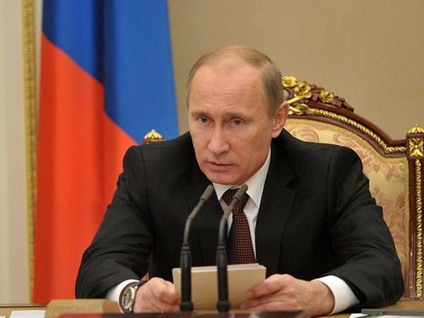 """Putin: """"Krımdakı partlayışın səbəbləri ətraflı araşdırılır"""""""