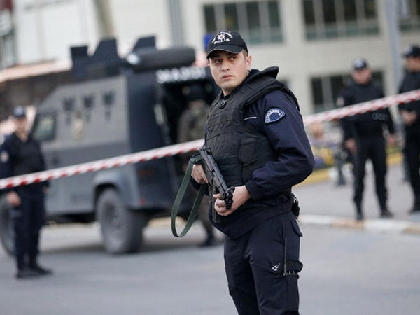 """İstanbul polisindən genişmiqyaslı ƏMƏLİYYAT - <span class=""""color_red"""">Adlar açıqlanmır</span>"""