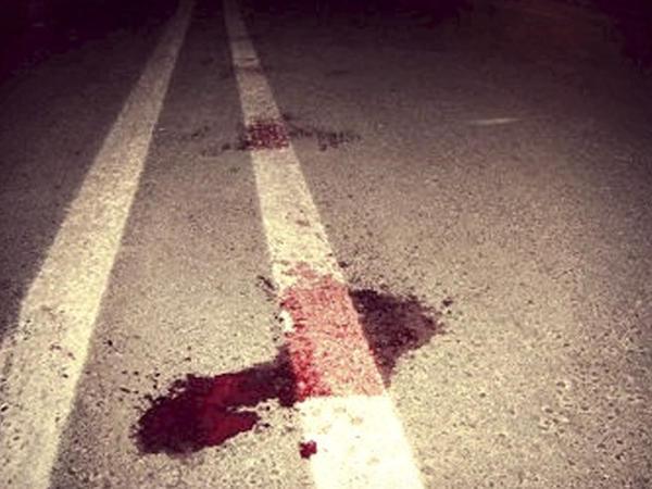 """""""Mercedes""""lə piyadanı vurub öldürdü"""
