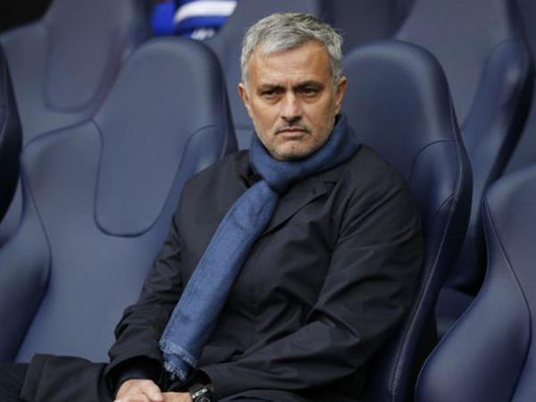 Mourinyo qovula-qovula nə qədər pul qazanıb?