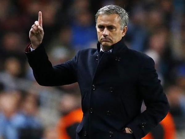 """""""Tottenhem""""də stabillik çatışmır"""" - <span class=""""color_red"""">Mourinyo</span>"""
