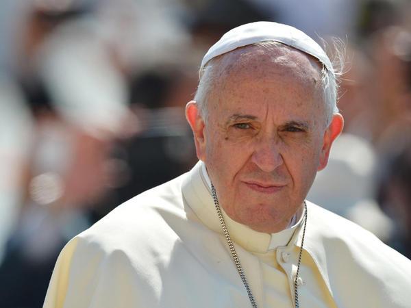 """Papa homoseksuala: """"Səni sevirəm"""" – <span class=""""color_red"""">Vatikanda zorlama qalmaqalı</span>"""