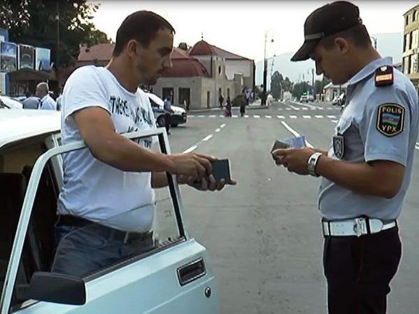 """""""Elə edin ki, yol polisi ilə sürücülər arasında narazılıq yaşanmasın"""" - <span class=""""color_red"""">Vaqif Əsədov</span>"""