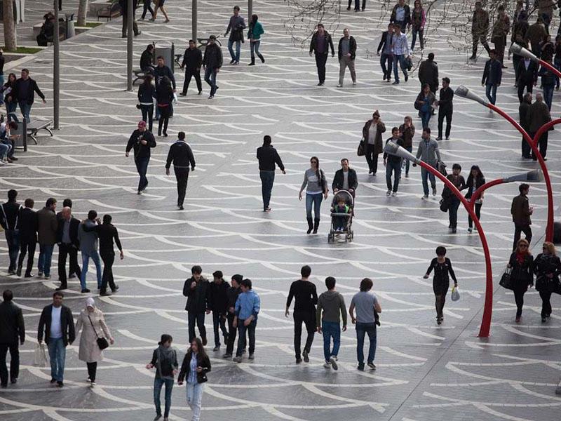 Azərbaycan əhalisinin hazırkı sayı açıqlandı