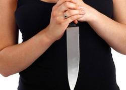 Gəncədə qumarda 10 manata görə dava: qadın ərini döyən kişini bıçaqladı - YENİLƏNİB