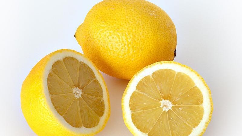 Ət yeməklərindən sonra mütləq limon yeyin